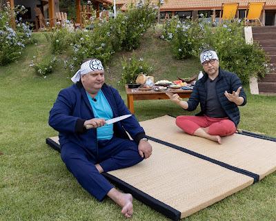Jacquin conta com a ajuda do chef Tsuyoshi Murakami no terceiro episódio da nova temporada  Foto: Kelly Fuzaro/Band