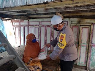 Polsek Ujung Tanah Beri Bantuan Sembako ke warga Pulau Barang Lompo