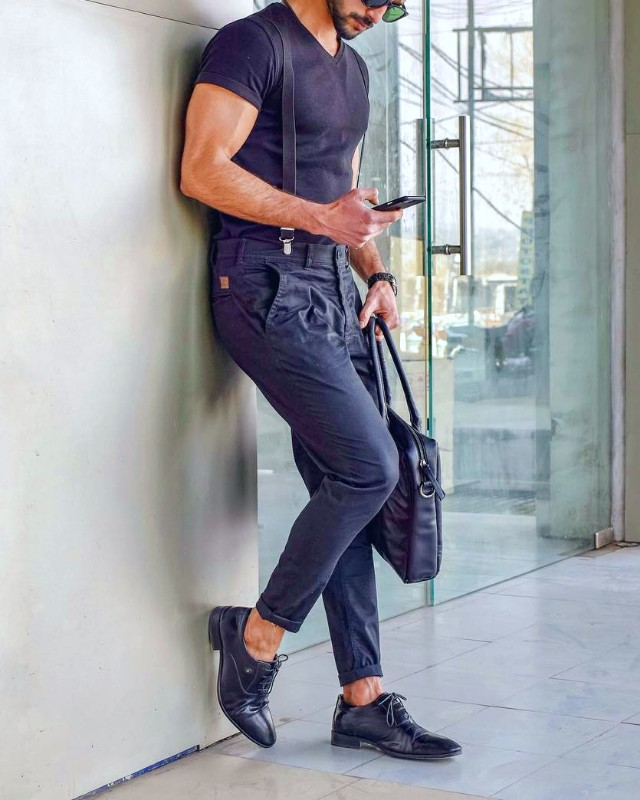 Suspenders with t-shirt and jeans, men's outfit.