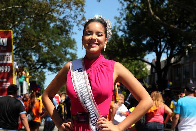 Imagen de una hermosa reina ecuatoriana en el desfile ecuatoriano NYC  - MISS GRAN UNITED STATES