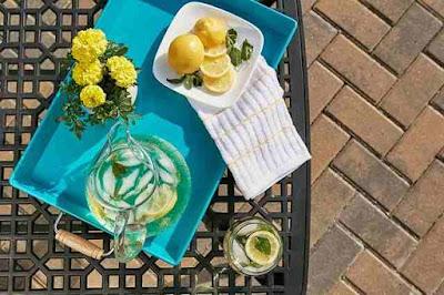 هل شرب الماء الدافئ مع الليمون يضر الحامل