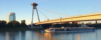 Jembatan UFO