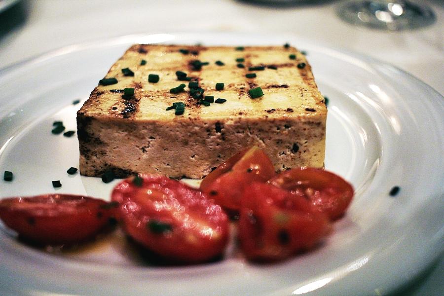tofu gril tomate restaurant