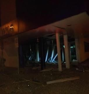 Grupo armado invade e explode agência bancária no Centro de JP