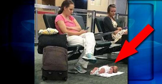 Entenda a história da mãe que deixou o bebê no chão para usar o celular