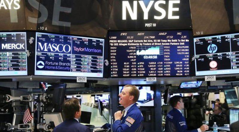 Presiden Trump Ancam 'Usir' Perusahaan China dari Daftar Bursa Saham AS