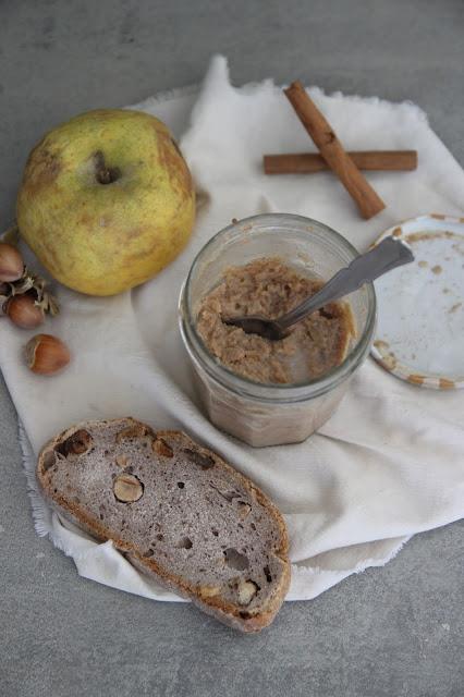 Cuillère et saladier : Beurre de pommes à la noisette (vegan)