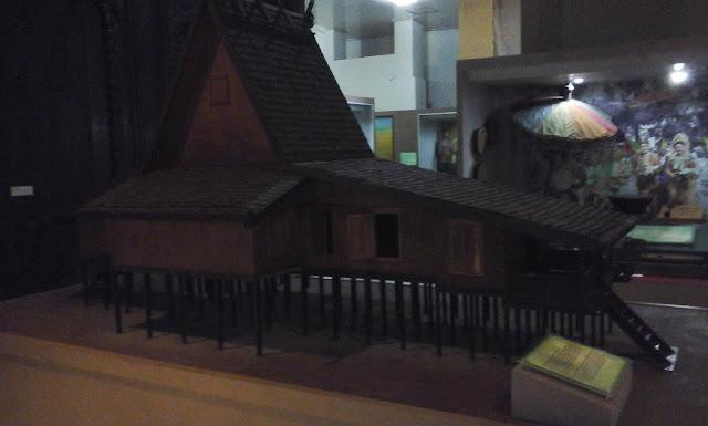 Rumah Adat Banjar Bubungan Tinggi