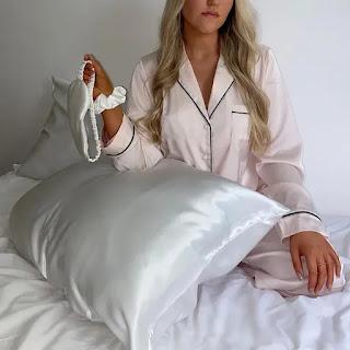 Silk pillowcase help to prevent hair loss