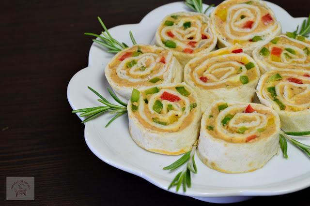http://www.caietulcuretete.com/2017/10/rulouri-aperitiv-cu-pate-vegetal-din.html