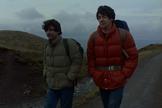 review film an american werewolf in london