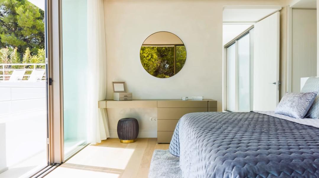 29 Interior Design Photos vs. Villa Real 17 Marbella Tour