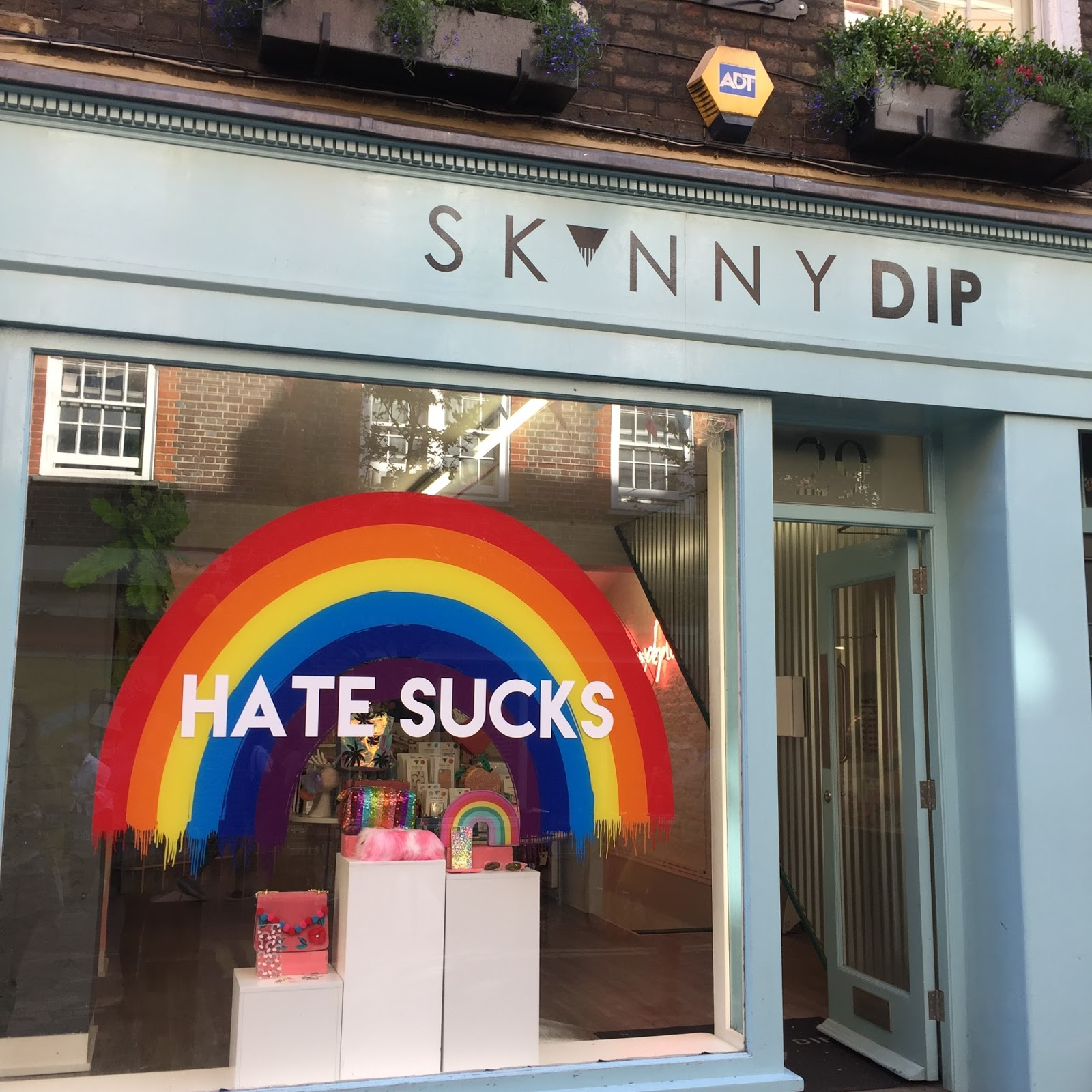 Covent Garden Skinnydip store