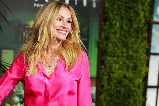 The smile of Hollywood - Julia Roberts just does not grow old
