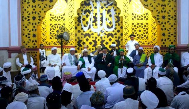 syeikh fatih nurullah di majelis tarekat qodiriyah hanafiah solok