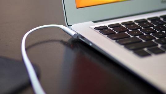 Bahaya Menyalakan Laptop Tanpa Baterai, Boleh Tetapi Tidak Disarankan