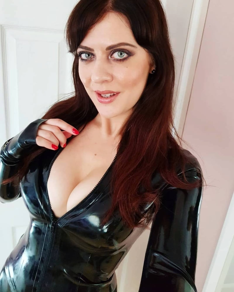 Latex, big tits, Red Hair, completino sexy,