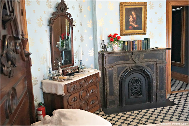 Dormitorio de la Casa Museo de Harriet Beecher Stowe en Hartford, Connecticut