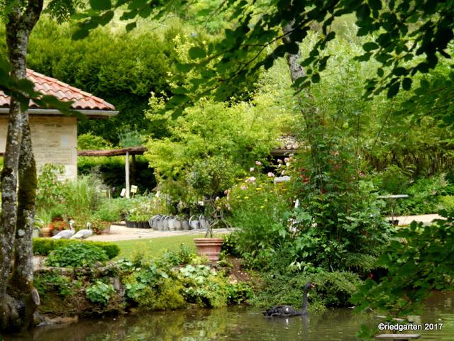 https://riedgarten.blogspot.de/2017/07/gartenuberraschung-les-jardins-de-mon.html