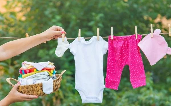 Jangan Sembarangan, Cuci Baju Si Buah Hati dengan Deterjen Khusus Bayi