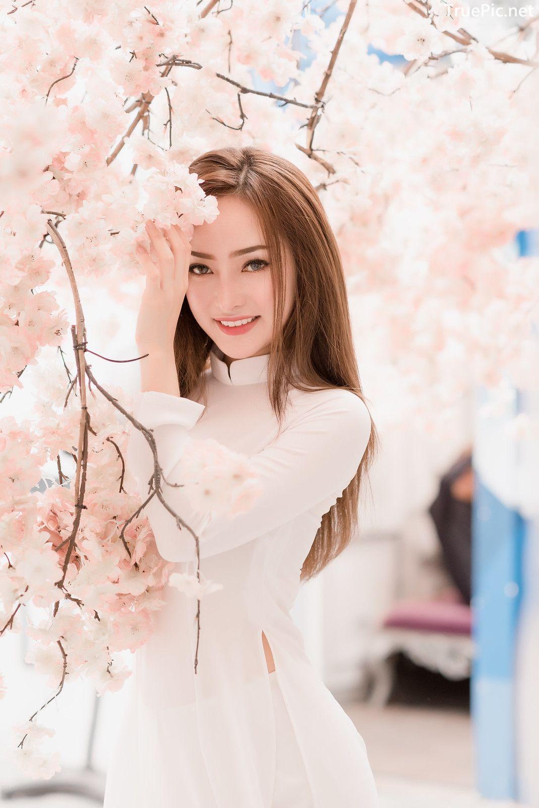 Image-Vietnamese-Beautiful-Girl-Ao-Dai-Vietnam-Traditional-Dress-by-VIN-Photo-2-TruePic.net- Picture-1