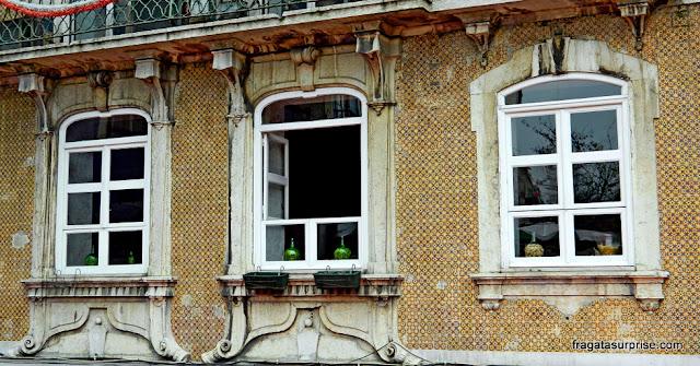 Portugal: fachada de azulejos em Lisboa