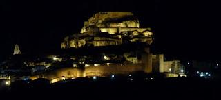 Vista de Morella de noche.