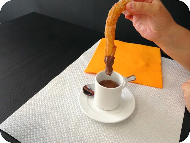 chichi-churros-chocolat