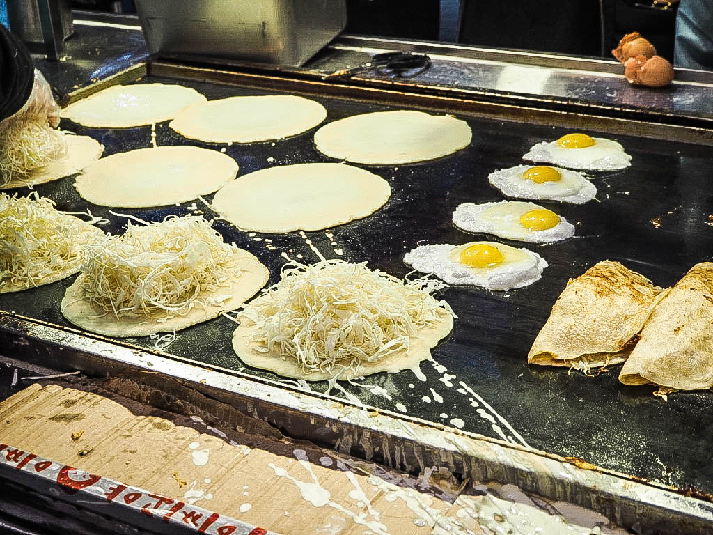 Okonomiyaki street food, Seoul