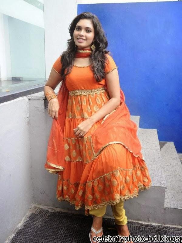 Cute Ishara Tamil Actress Stills Hot Photos In Salowar