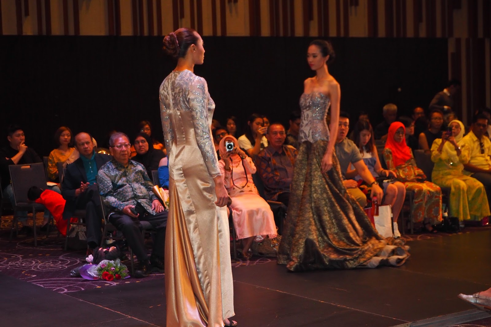 Kee Hua Chee Live Iftc International Academy Of Fashion Design Celebrated Its Convocation For Graduating Students With Songs Sung By Sally And Spectacular Fashion Show By Junior Senior And Graduates At