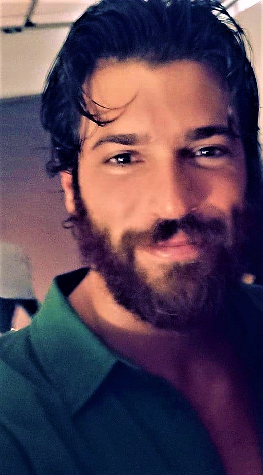 Can Yaman, bad news about Sandokan: 'Shooting would be frozen, there is mystery'