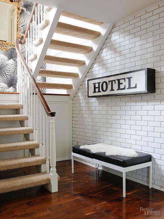 Come arredare con stile gli spazi pi scomodi di casa tua for Panca mudroom moderna