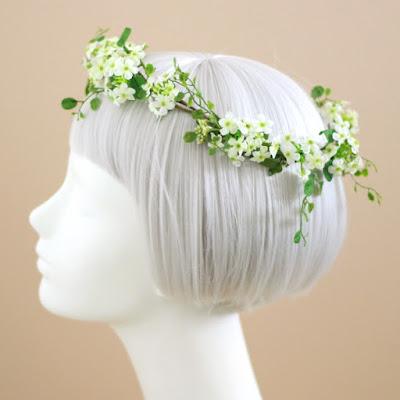 白い小花の花冠-ウェディングブーケと花髪飾りairaka