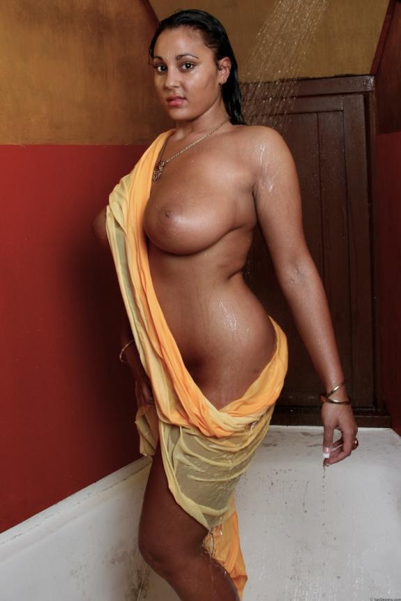 Very sexy anusha sharma sexy ass 5