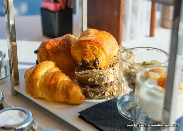 breakfast pastry in Atmosphere Burj Khalifa