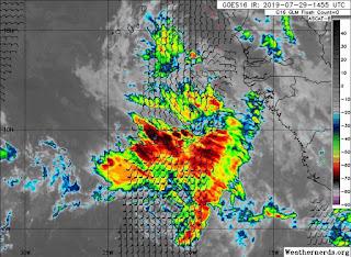 Aumentan a 13 las provincias en alerta por vaguada y onda tropical