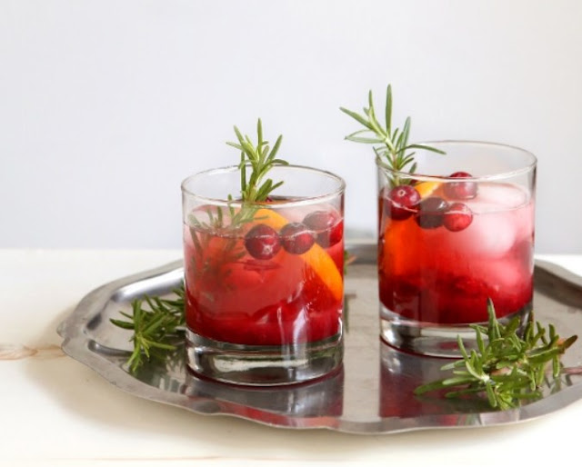 Cranberry Fizz Cocktail #drinks #alcohol