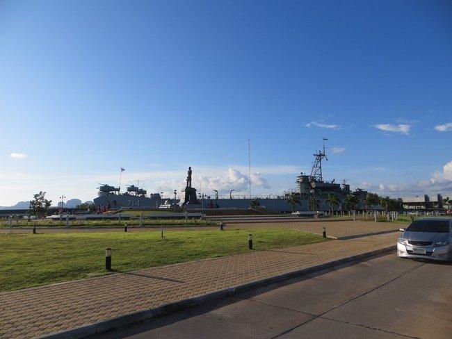 боевой статуя корабль краби таун