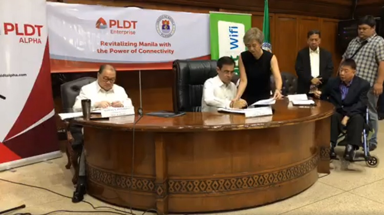 Mayor Isko Inks Partnership with Smart for Free WiFi in Manila