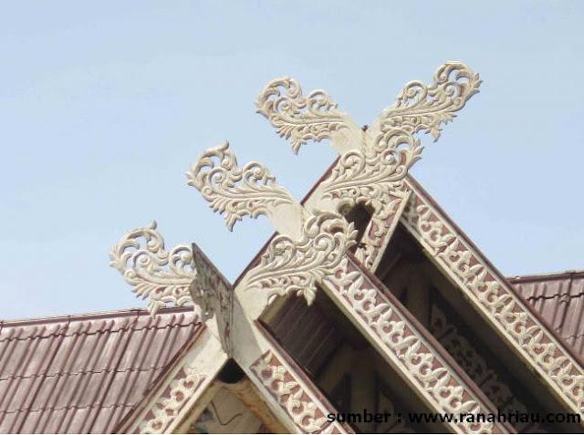Atap Selaso Jatuh Kembar