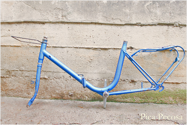 bicicleta-pintada-pintura-spray-diy-estado-inicial-desmontada