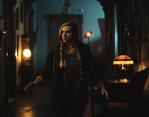 Eden Campbell en The Mortuary Collection