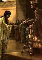 Então, pensou em matar Mardoqueu e acabar com toda a raça dos judeus. A história continua mostrando que Ester arrisca a vida, vai à presença do Rei e denuncia Amã como o maior conspirador contra o Rei.