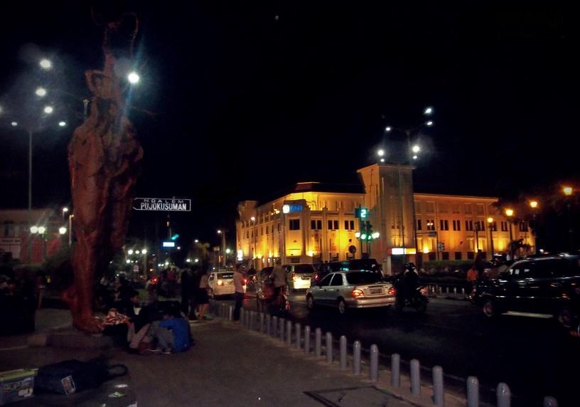 Tugu Nol Ide dan Tempat Wisata Malam Di Yogyakarta yang Wajib Dikunjungi