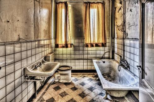 pixabay.com/en/bath-bathroom-hdr-monastery-426383