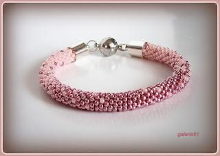 sznur szydełkowo koralikowy, bransoletka różowa