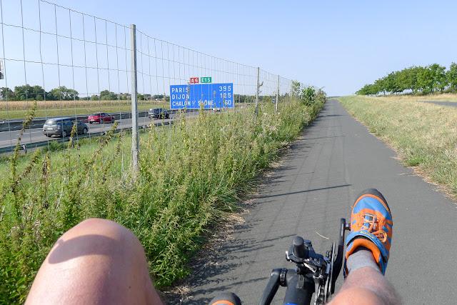 De Paris à Narbonne en vélo, Mâcon