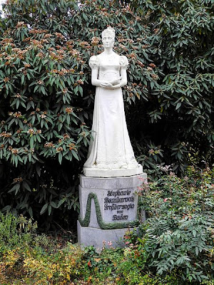Photograph of statue of Stéphanie de Beauharnais,  in Mannheim, Germany