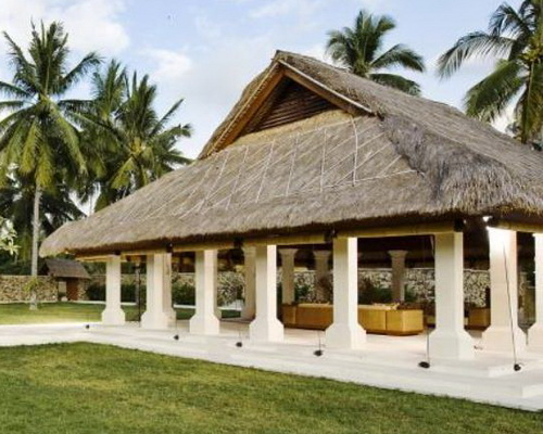 Tinuku Villa Sepoi Sepoi on Sira Beach, Lombok Island, combines Javanese and Mediterranean architecture for Pedopo